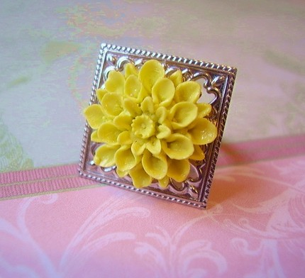 Yellow Flower Filigree Ring